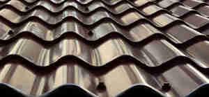 Metall-Dach installieren
