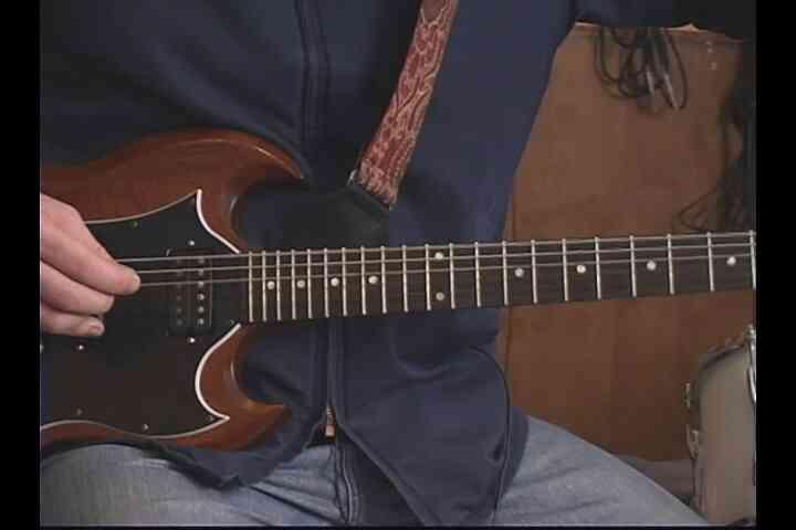 """Gewusst wie: """"Nie zu spät"""" auf der Gitarre spielen"""