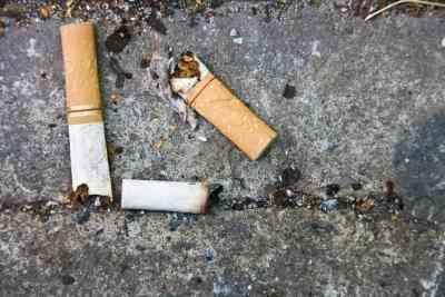 Spielt über das Rauchen