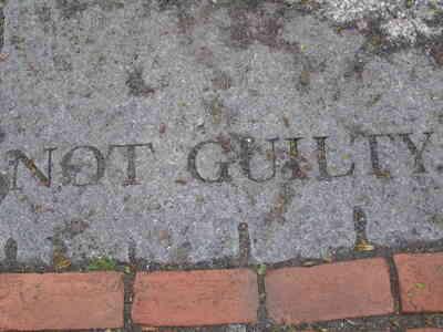 Gewusst wie: Salem Witch Trials mit dem Tiegel vergleichen