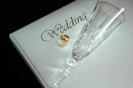 Gewusst wie: Daumesdick Hochzeit Fundraiser planen