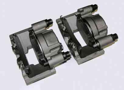 Was sind die Drehmoment-Spezifikationen für den vorderen Bremssattel Halterung Schrauben auf einem 2000 Chevy Blazer?