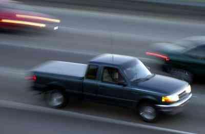 Gewusst wie: reparieren Sie einen Master-Zylinder auf einem Ford Ranger
