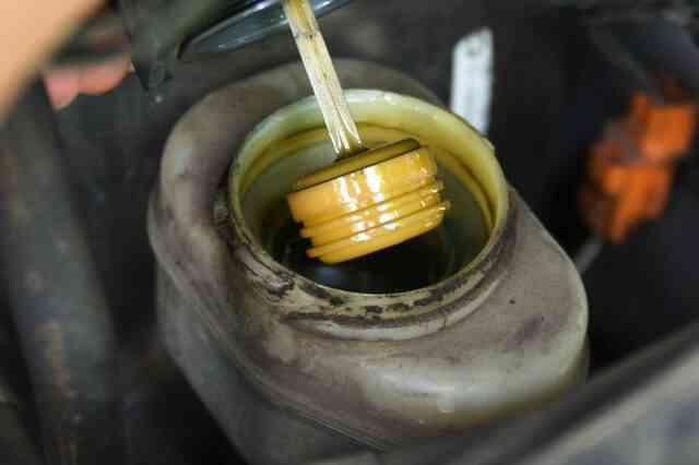 Wie zu Entlüften den Hauptbremszylinder, Ohne es Aus einem Auto