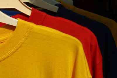 Wie man ein Nachthemd Aus einem T-Shirt