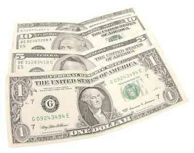Wie man einen Dollarschein in ein Quadrat falten