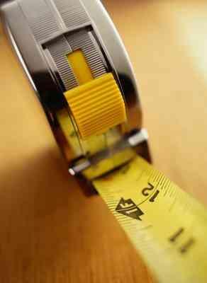 Wie erstelle ich Schlag Armbänder aus einem Maßband