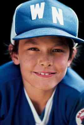 Wie Decken ich voll und ganz eine Baseball-Cap mit einem Transfer zum Aufbügeln?