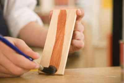 Verwendung von Schellack in Handwerk