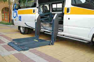 Bezahlen Sie für ein Fahrzeug, Rollstuhl zugänglich