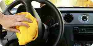 Schimmel-Geruch im Auto loswerden