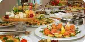 Auswählen einer Rezeption Hochzeitsmenü: Essen-Ideen und Anregungen