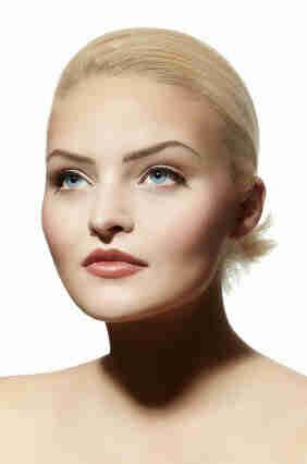 Wählen Sie das richtige Make-up für blaue Augen