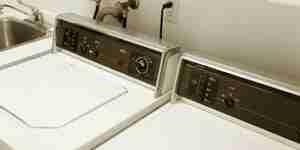 Installieren einer Waschmaschine Trockner anschließen